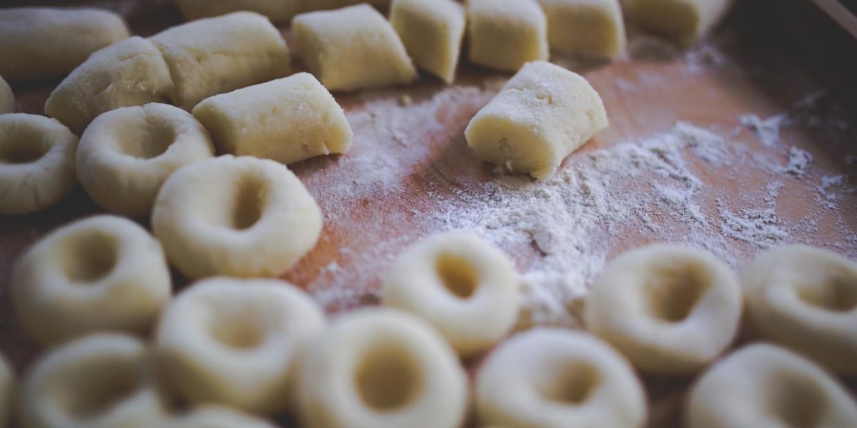 wegańskie pyzy ziemniaczane / kluski śląskie