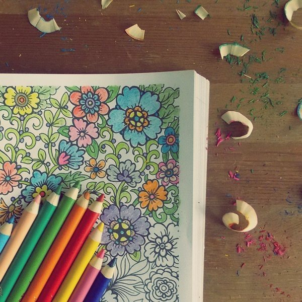 uzależnia, kolorowanki dla dorosłych