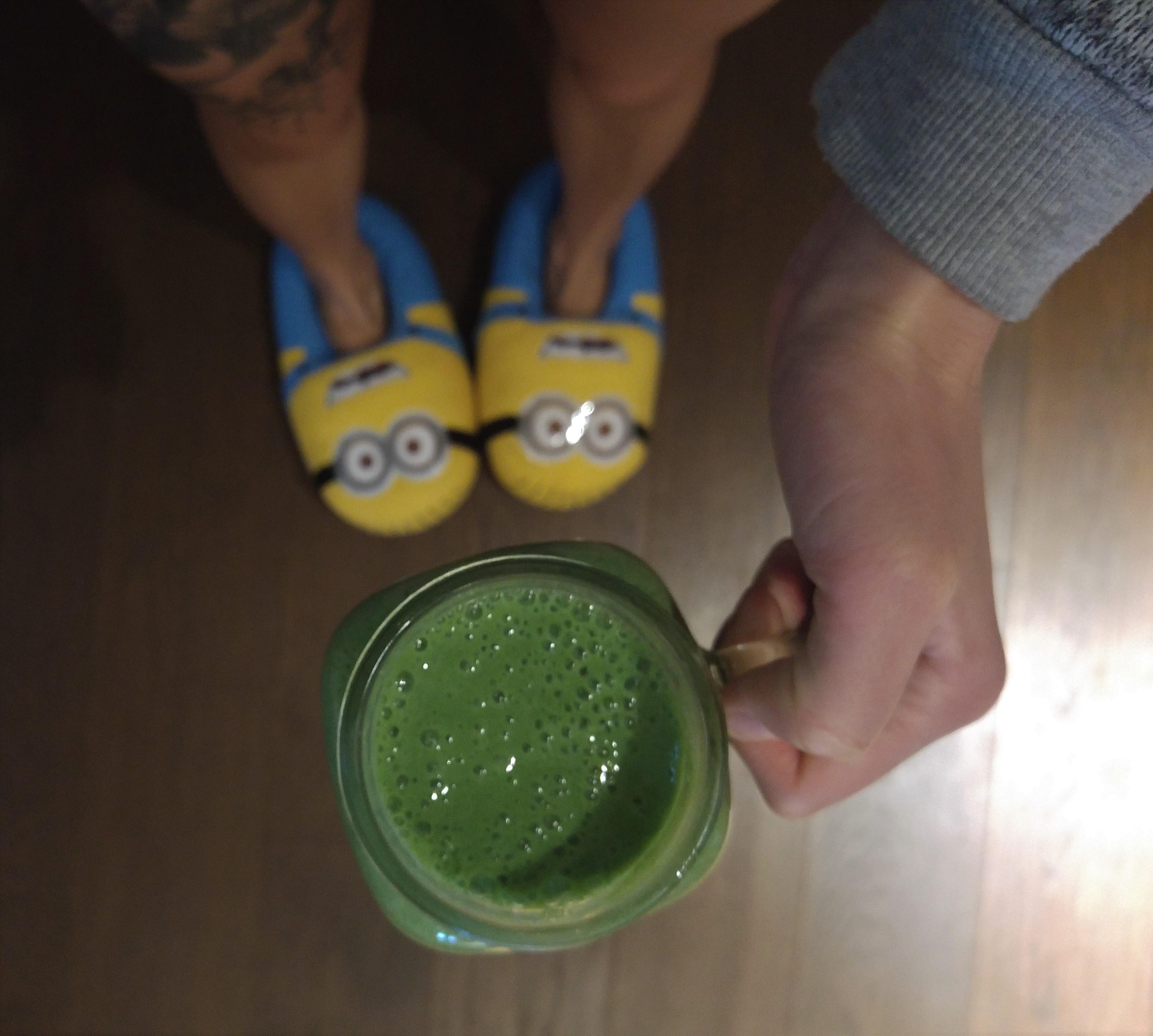 wegańskie śniadanie - zielone smoothie