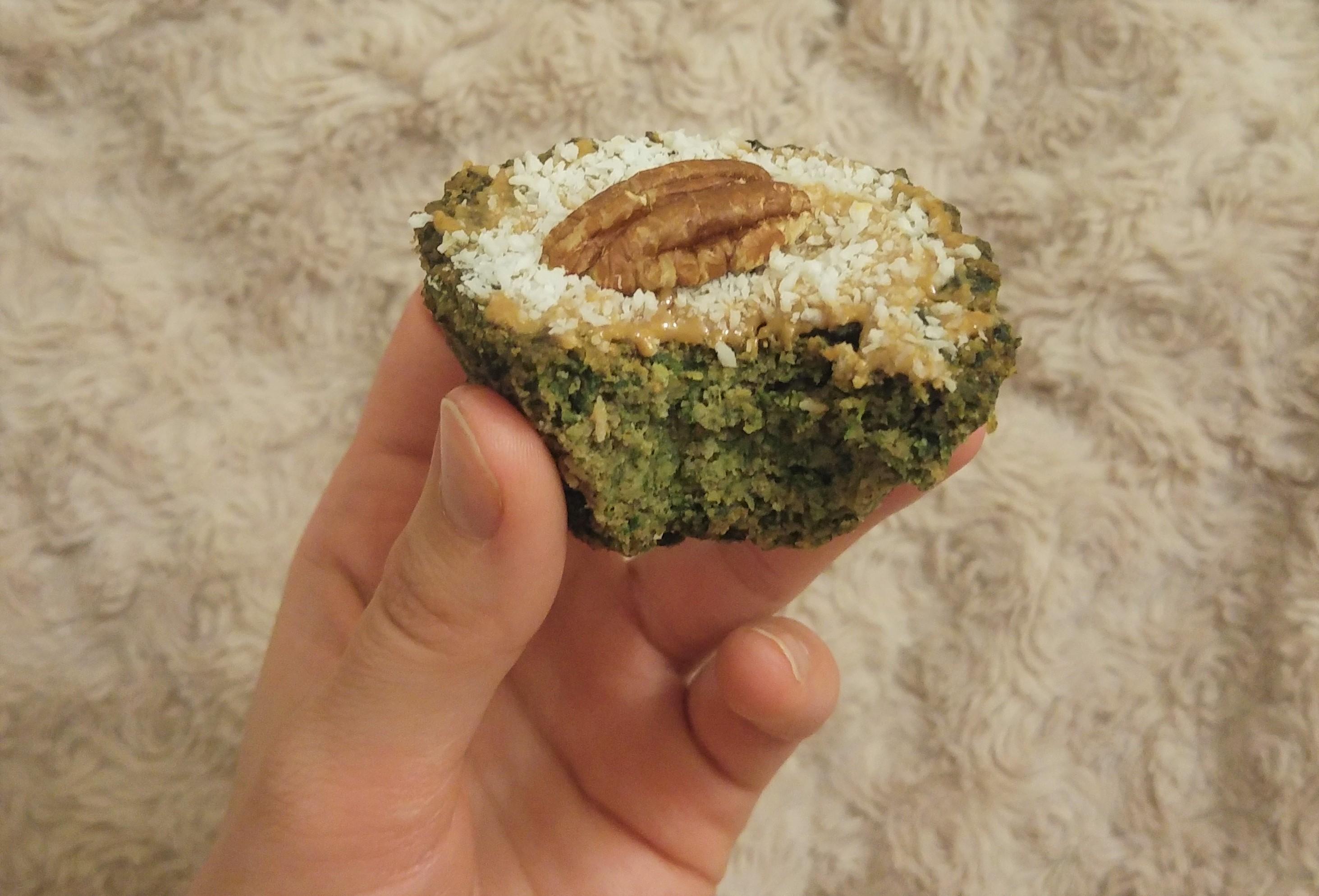 wegańskie muffiny szpinakowe