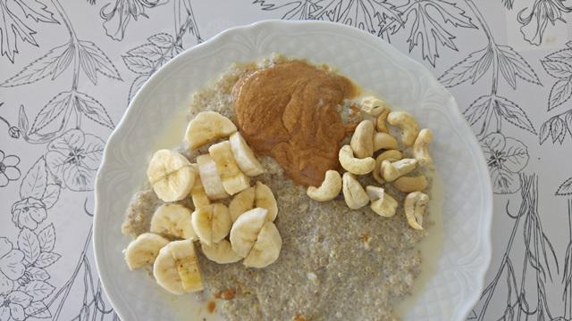 wegańskie śniadanie: komosanka