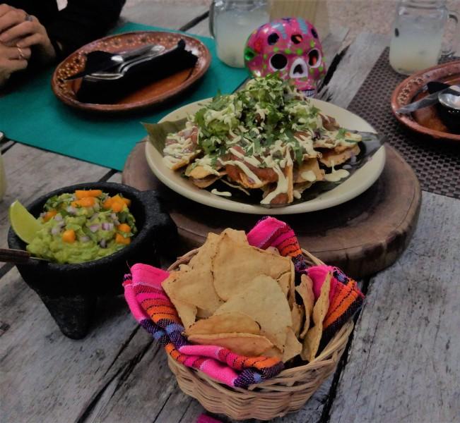 meksykańskie potrawy wegańskie - nachos machos